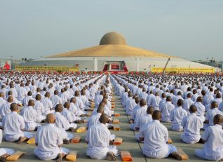 100,000 Monks Gather for Mass Buddhist Ordination