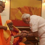 India PM Narendra Modi showing respect to Pujya Swami Dayananda Saraswati ji
